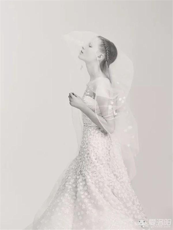 aab首次推出婚纱系列,素描质朴感纯粹