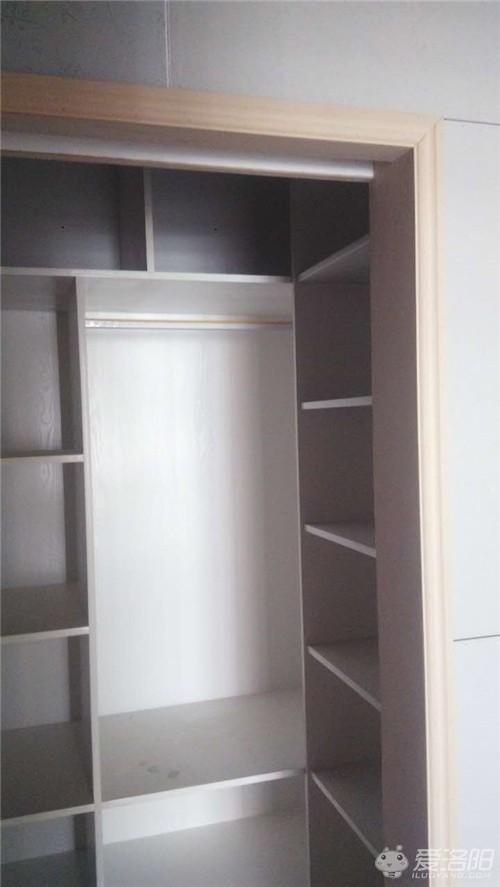 附带三张效果图:   1、做的柜子 大部分用的是免漆板.   3、如果